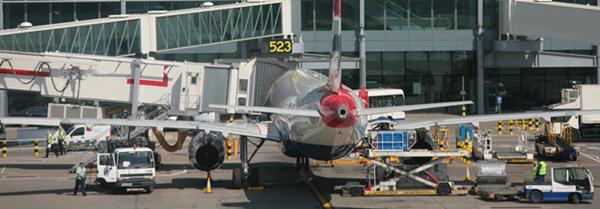 Assistência a aeronaves em escala_1