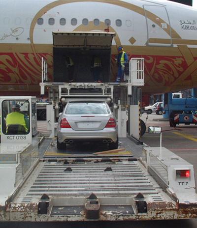 Carregamento/descarregamento de Automóvel